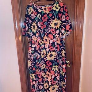 Floral maxi dress with double leg slit